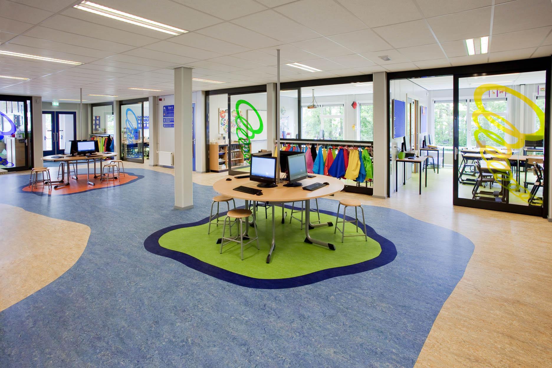 Marmoleum Vloer Reinigen : Schoonmaakbedrijf zine is gespecialiseerd in vloeronderhoud